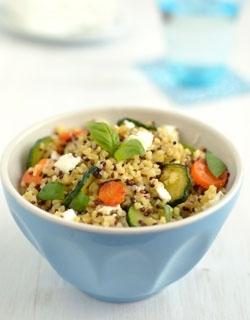 Burgul e quinoa con verdure e feta